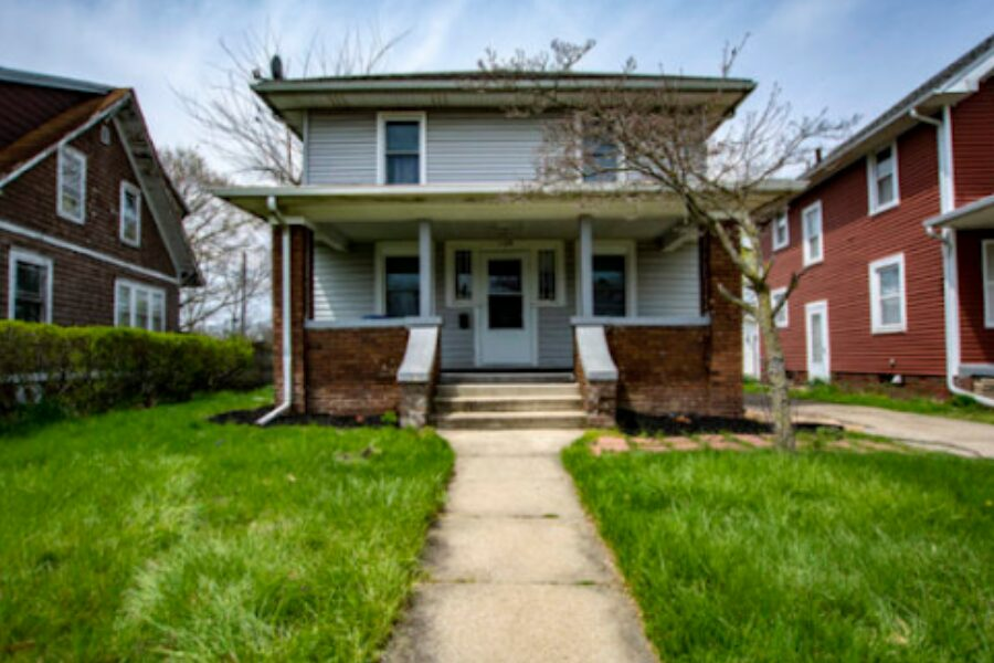 1129 Diamond Avenue, South Bend, IN 46628